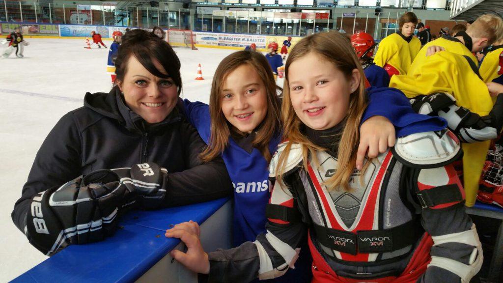 trainerin-und-young-ladies