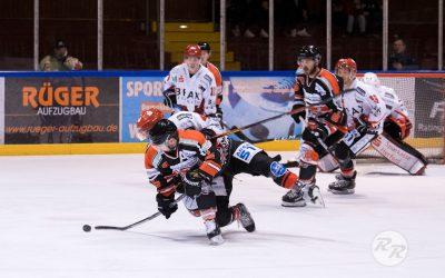 Ice Aliens machen Werbung für das Ratinger Eishockey und besiegen den Meister nach Verlängerung mit 4:3